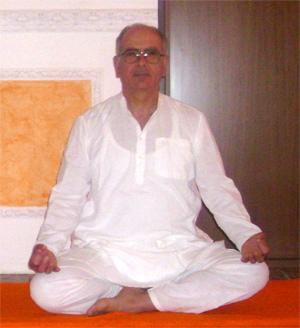 Giuseppe Antonio De Pascali Yoga Ratna Maglie